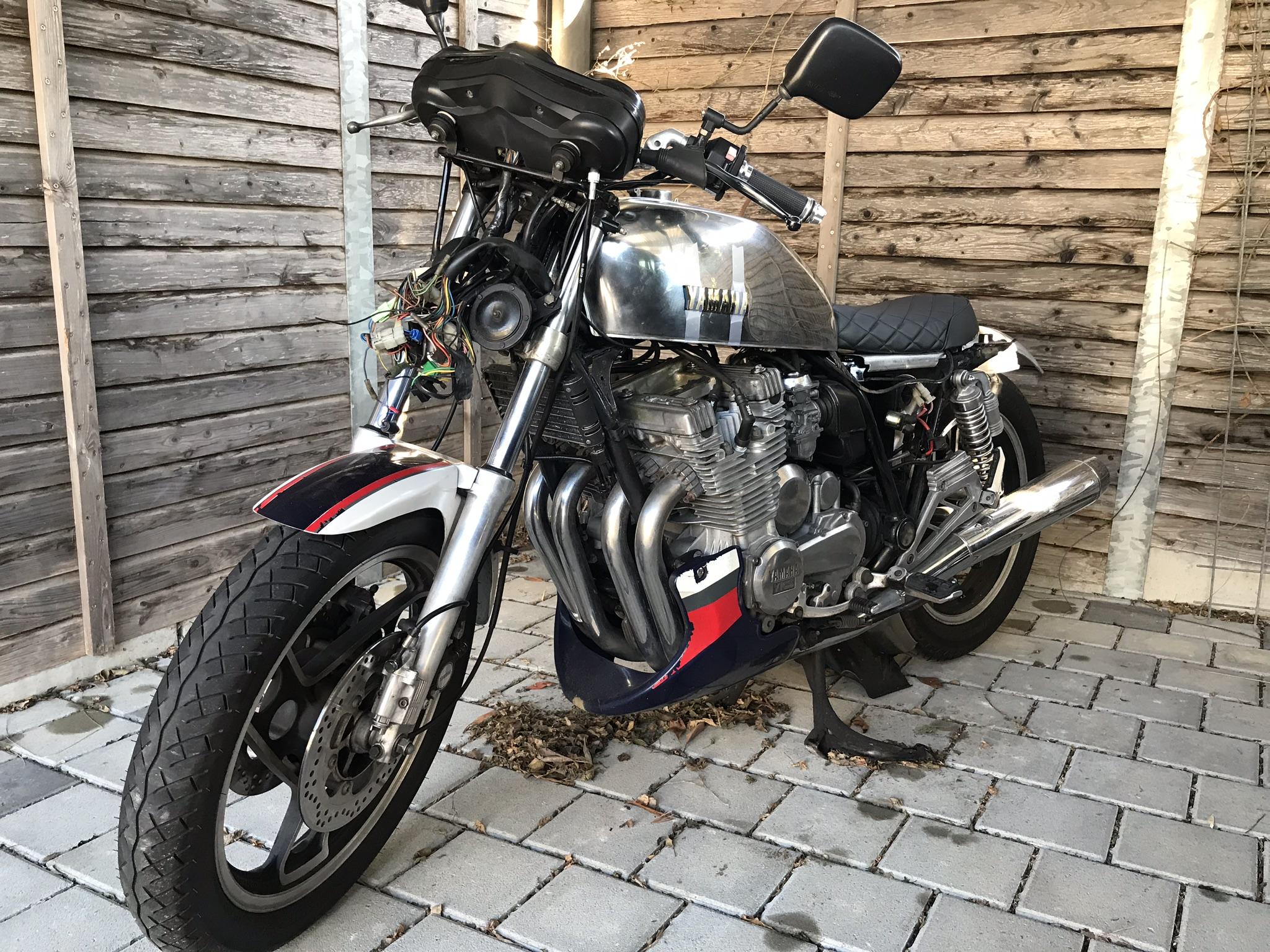 1984 Yamaha XJ 900 31a - Cafe Racer Conversion